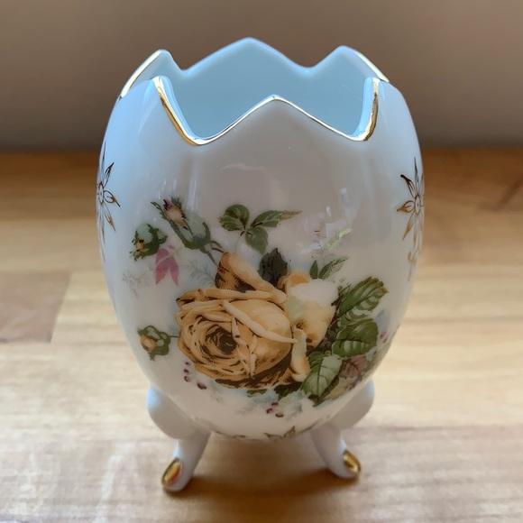 Vintage Cracked Egg Porcelain Footed Vase